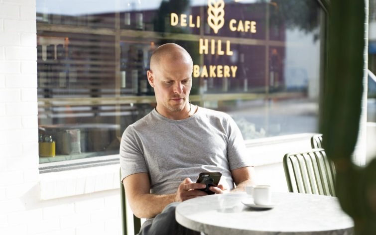 """17 Lessons from """"Tools of Titans"""" by Tim Ferriss – 4HWW"""
