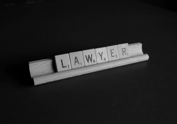 What Startup Entrepreneurs Should Look For When Hiring A Business Lawyer